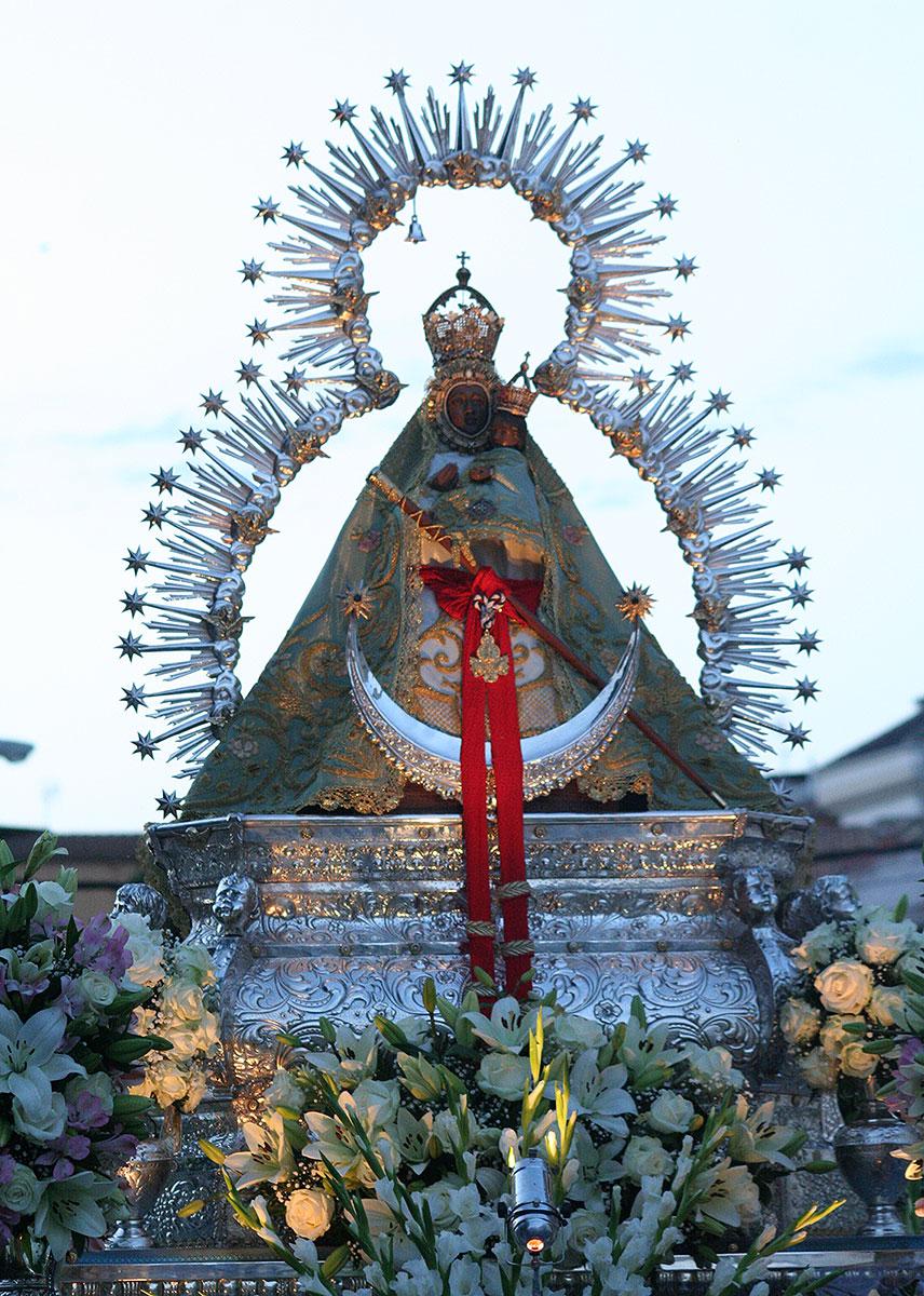Foto de la imagen de la Virgen de la Cabeza.