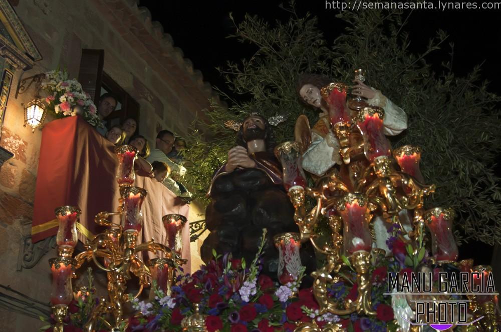 Linares rezó el Lunes Santo 2015 con la Hermandad de la Oración